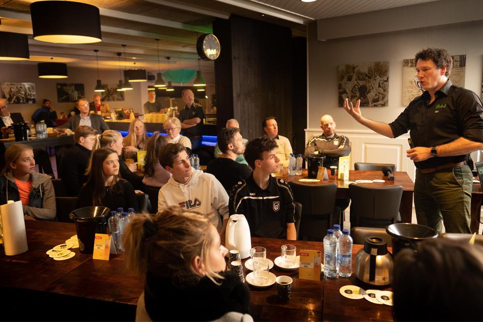 Koninklijke Grolsch stimuleert verantwoord alcoholgebruik met nieuwe training voor de barvrijwilligers in Nederland